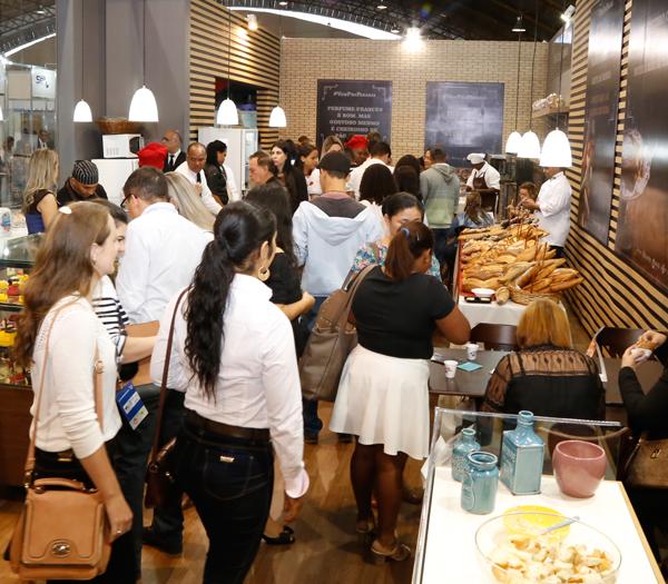 Chefs premiados apresentam p�es artesanais em feira